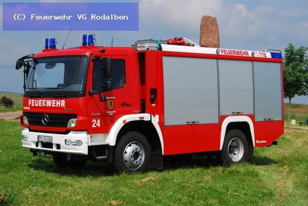 B2.03 - Fahrzeugbrand groß vom 04.03.2021  |  (C) Feuerwehr VG Rodalben (2021)