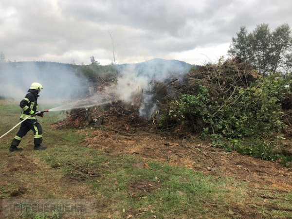 B1.02 - Flächenbrand klein vom 27.09.2020  |  (C) Feuerwehr VG Rodalben (2020)