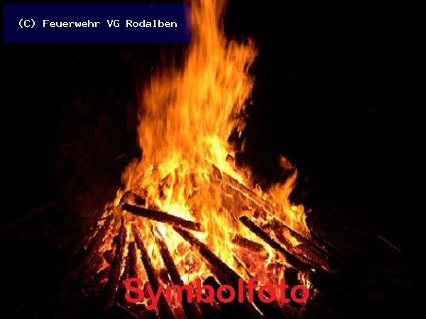 B1.05 - Rauchentwicklung im Freien vom 30.05.2019  |  (C) Feuerwehr VG Rodalben (2019)